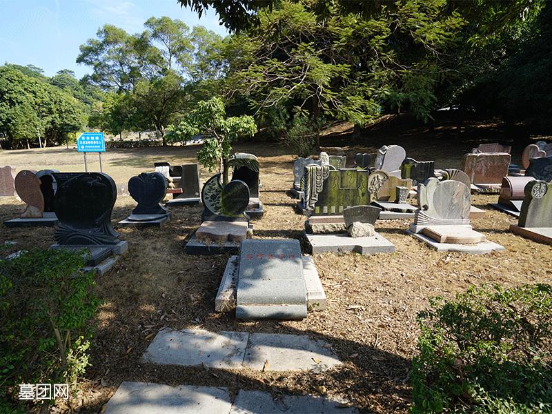 宝山园公墓--石碑展示区